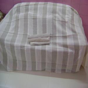 BROWN STRIPE BEDCOVER 210X220 CM
