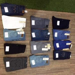Ladies Levi Strauss jeans Stock