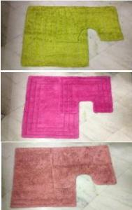 soft yarn reversible bath rugs