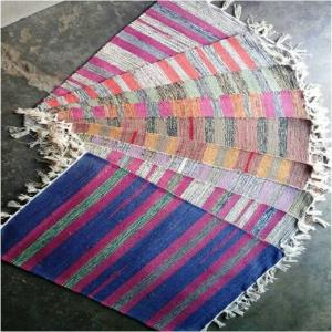 Cut shuttle Rugs Stock
